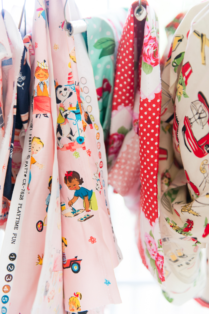 Alice and Pearl | Retro Kids Accessories | Parent and Kids Kitchen Accessories | Kids Oven Mitts | Kids Aprons | Vintage Pattern | Vintage Kitchen | Retro Kitchen | Kids Pot Holders | Women Makers | Women Entrepreneurs | Paprika Southern