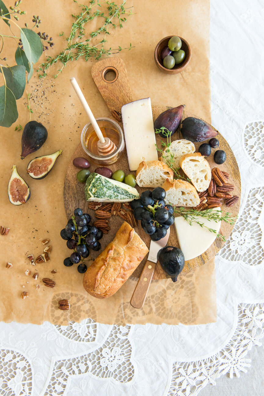 How to Make a Cheese Board | French Food | Fall Cheese Board | Fall Cheese Tray | French Cheese Board | Food Styling | Food Photography | Food Styling and Photography | Food and Prop Styling | Photo Styling | Fall Recipe | Fall Hostess | Thanksgiving Ideas | Entertaining Ideas for Fall | Paprika Southern