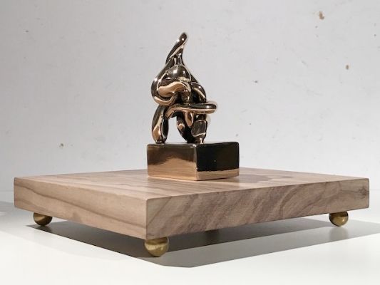 Infinitude 8 High-Polished Bronze, Walnut and Acrylic 7 1/2 × 5 1/2 × 5 1/2 in; 19.1 × 14 × 14 cm Infinitude 2017