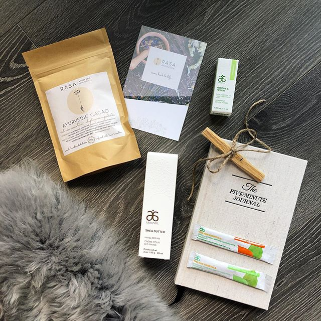 ✨ G I V E A W A Y ✨ Hey Insta, just wanted to put together some my favourite #mindfulness tools into a little #selfcare package for you to enjoy! Super simple to enter, just follow @urban_tee, @rasa_ayurveda and @the.urban.healer PLUS tag 3 friends who are your mindfulness and bliss accountability partners. Don't have one yet?? Give them a gentle nudge and begin TODAY. Contest closes Saturday, July 27th at midnight. Must follow all 3 accounts and be an Ontario resident so I can ship it to ya! Good luck and all the #zen vibes coming at y'all!  Five Minute Journal - This was a complete game changer for me! This #journal is your secret weapon to focus on the good in your life, become more #mindful and live with intention. With a simple structured format based on positive psychology research, you will start and end each day with #gratitude. It takes just a few minutes a day to create more #joy and appreciation in your life.  Palo Santo - A form of sacred smoke used for #smudging that originates in South America. When it's burned, the smoke is believed to provide medicinal and therapeutic #healing energy. It's calming scent makes every #ritual, big or small, blessed and sacred.  Ayurvedic Cacao - A rich raw #cacao mix with #adaptogenic super herbs. Locally created by the magical @rasa_ayurveda. Also contains #lucuma, #coconut milk powder, #ashwagandha, #shatavari, #maca (black, white, red), #ginger, #cinnamon and #vanilla. It's #bliss in a cup, can be enjoyed hot, cold or added to your favourite shake.  Peppermint Essential Oil - A 100% pure essential oil that is cold pressed and sustainably sourced. It can be used topically to help relief headaches, smelt straight from the bottle to invigorate your mind and senses or diffused to energize and freshen your environment.  Apple + Citrus Energy Fizz - My go to when I need a little boost of energy and don't want to have another cup of coffee. It's a bubbly, lightly sweetened blend of #ginseng, #guarana and green tea. It also 