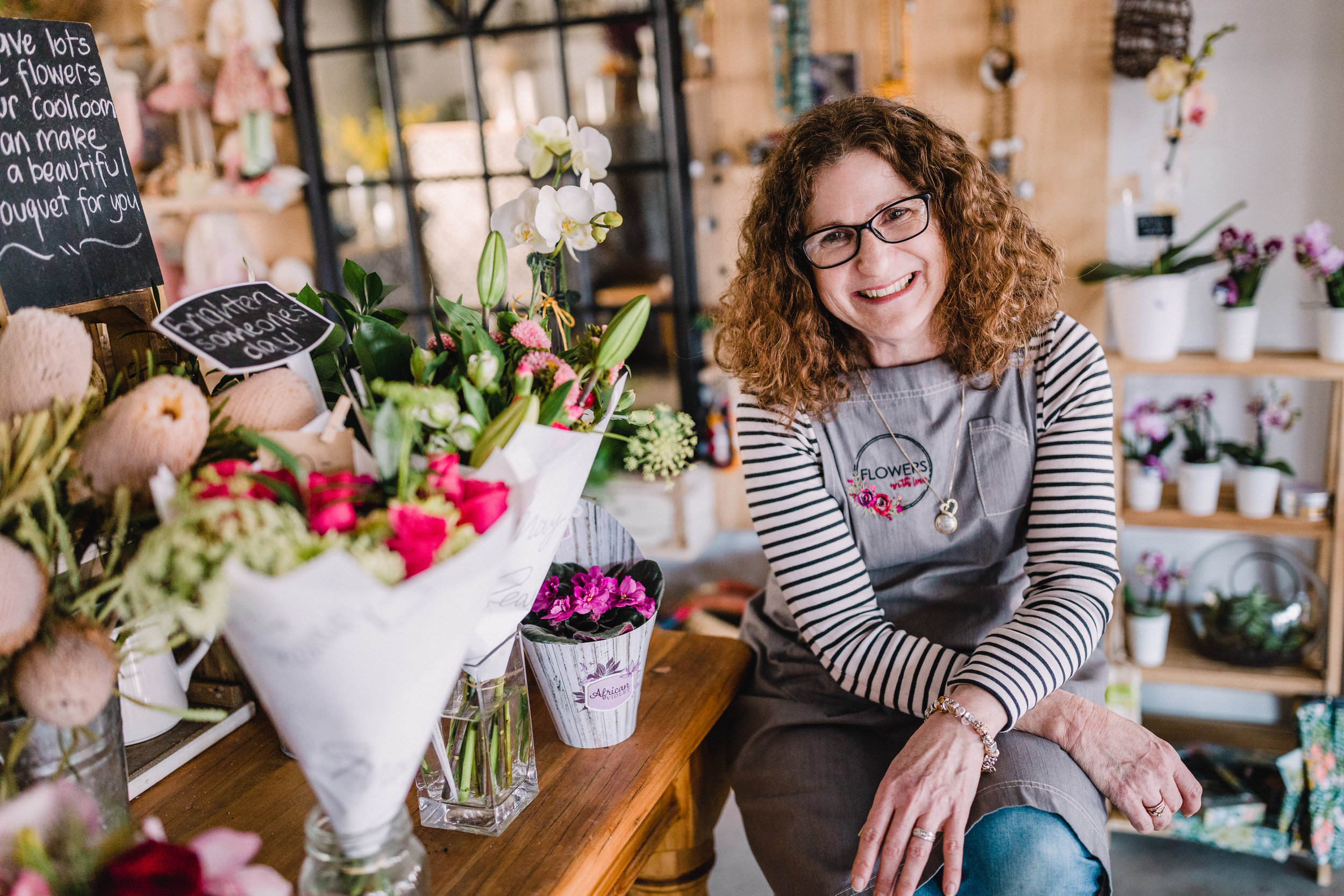 Florist who delivers flowers to Canberra, Queanbeyan, Googong and Jerrabomberra.