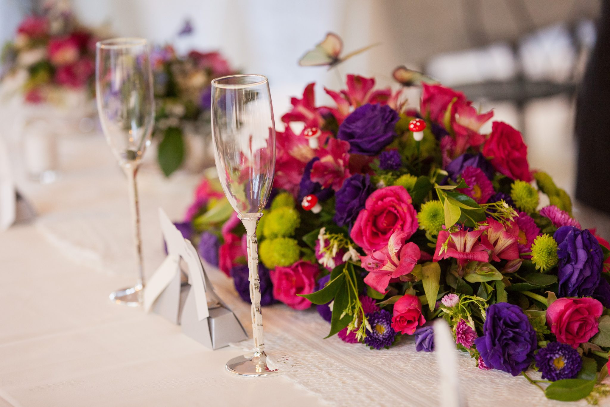 Natalie-Cristian-table-arrangements.jpg