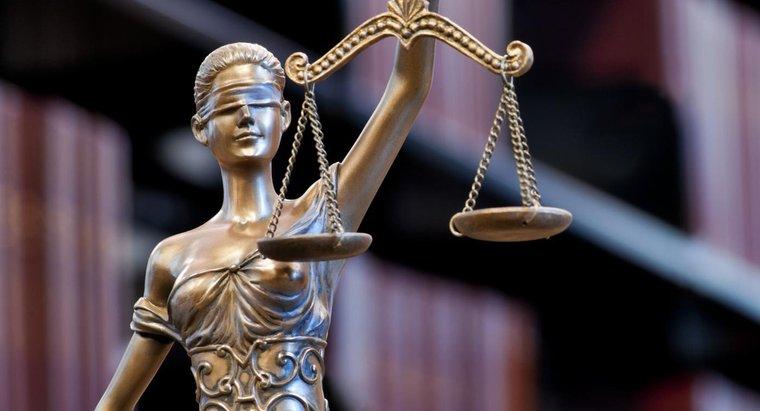 lady-justice-blindfolded_55d3389af74020f6.jpg
