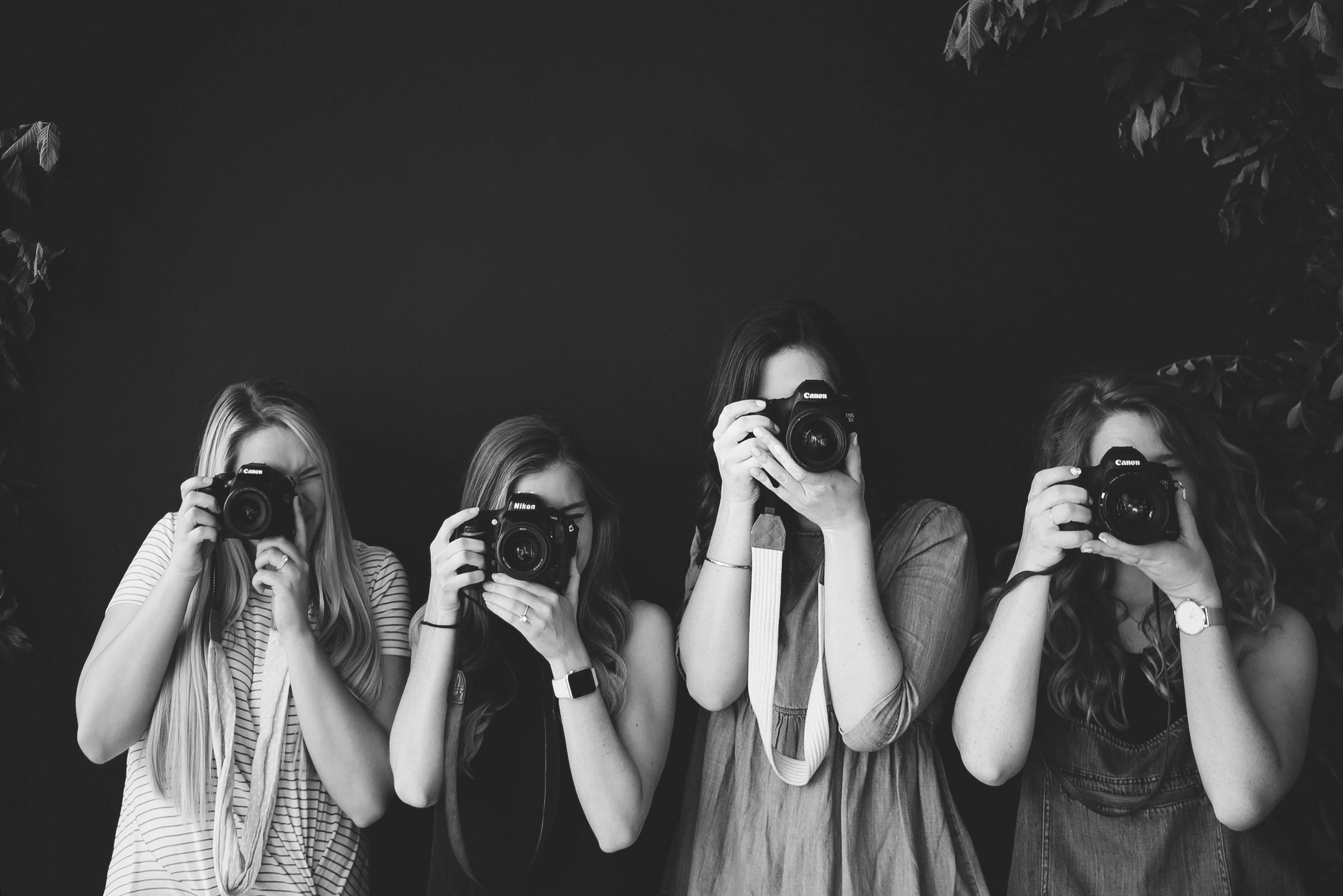 SOCIAL MEDIA - Nous vous formons, coachons ou réalisations pour vous le community management sur vos différents réseaux sociaux