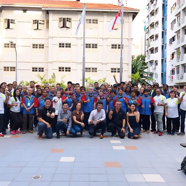 LS 2 appreciates our Cleaning Teams who play a crucial role in keeping Singapore Clean and Green 🌳✨
