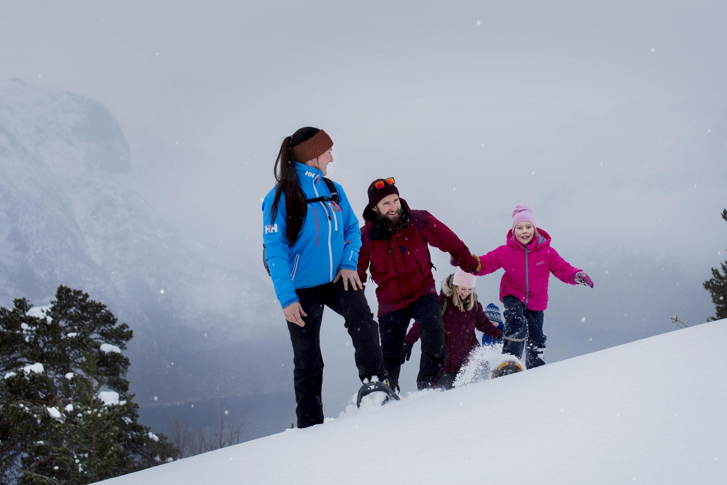 practical information - Period/time: 26.12.2018 - 31.03.201926.12.2019 - 31.03.2020: 08:15 - ca. 11:00 (meet at 08:00)1.02.2020 - 31.03.2020: 15:30 - ca. 18:00 (meet at 15:15)Dinner: between 18:00 - 20:00 in Ægir BrewPubPrice: NOK 1245 pp. incl. snowshoe hike and Ægir Viking Plank