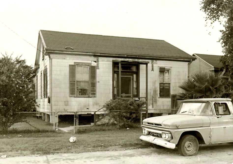 3801 Winnie_1977.jpg
