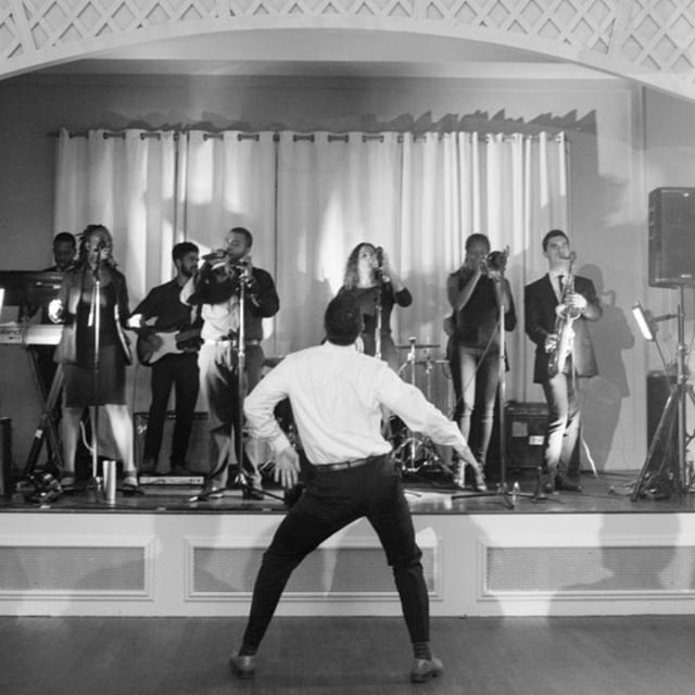 It's Friday! Dance like nobody's watching. 👯⠀ .⠀ .⠀ .⠀ .⠀ #capecodwedding #bostonweddingphotography #wedding #bostonweddingphotographer