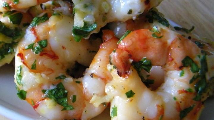 Simple Garlic Shrimp - From All Recipeshttps://www.allrecipes.com/recipe/220597/simple-garlic-shrimp/?internalSource=hub%20recipe&referringId=1086&referringContentType=Recipe%20Hub