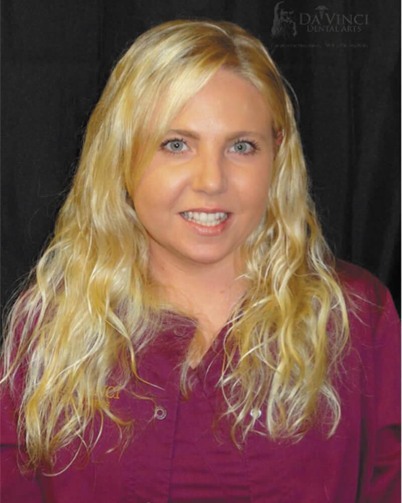 Melissa is a registered dental assistant at Da Vinci Dental Arts.