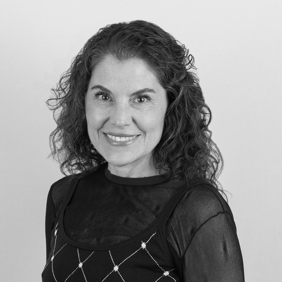 Laura Luciano, Consultant