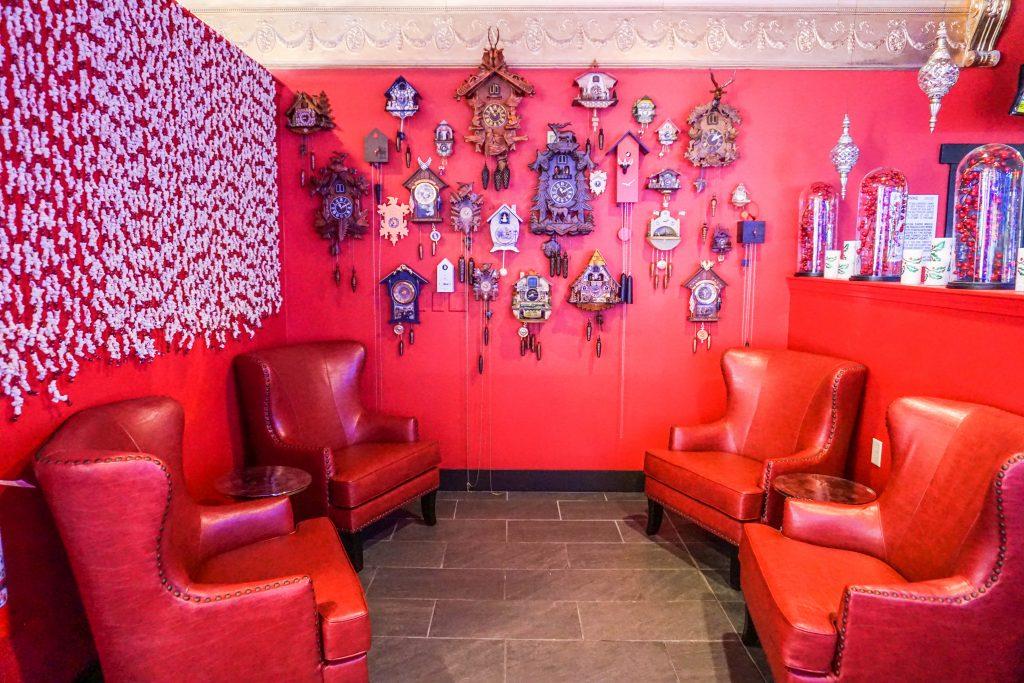 Christmas-Casino-Coo-Coo-Clock-Lounge-1024x683.jpg