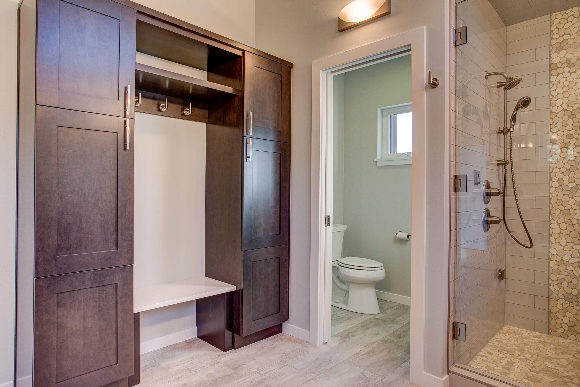 privatetoilet.jpg