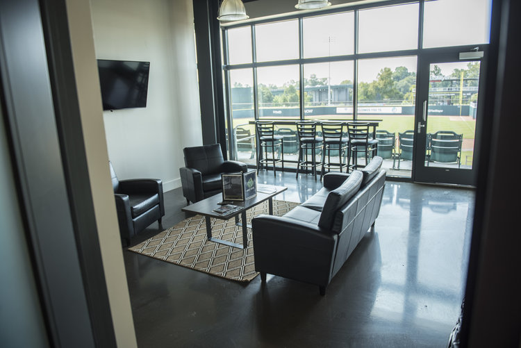 Private Suites - 300-350 sq ftIndoor and outdoor accessEasy bar access