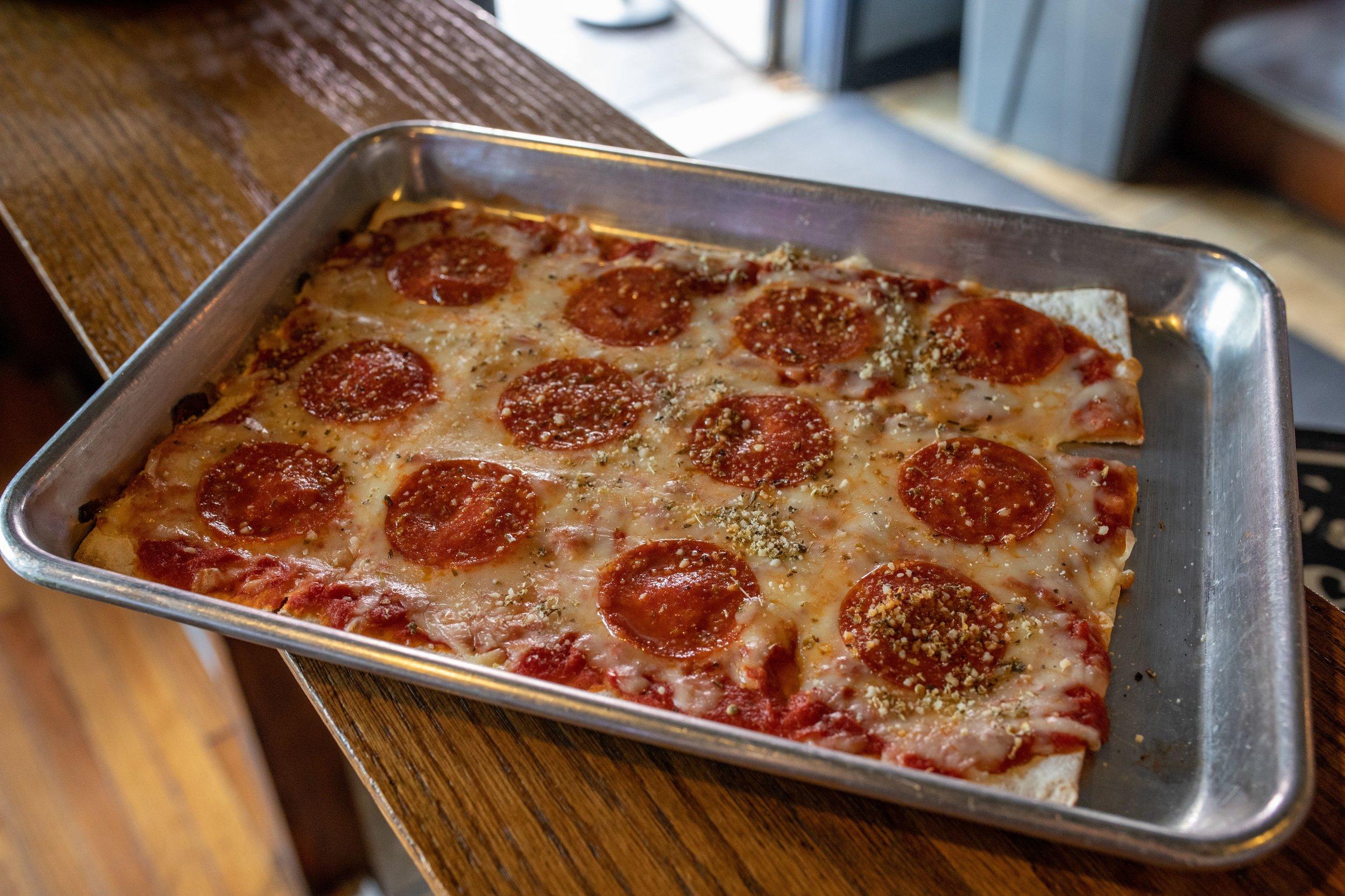 Bobby's St. Charles Pizza.jpg