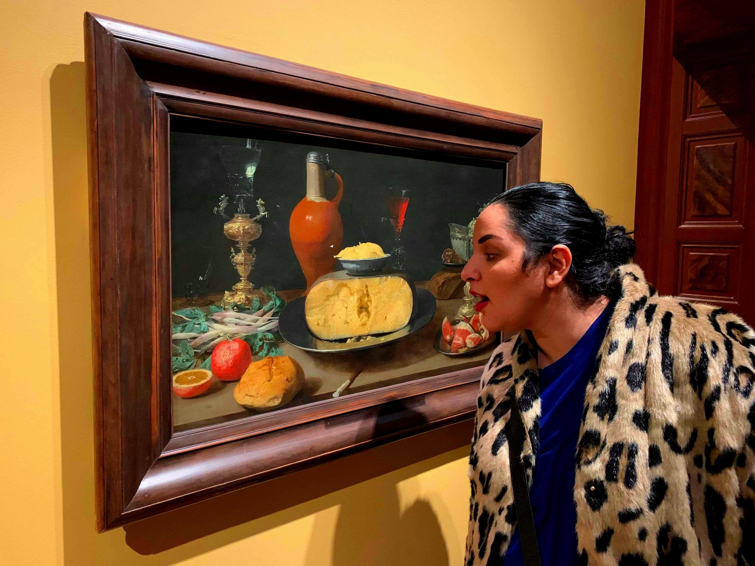 På Nationalmuseet i Stockholm hänger den. En målning! Med ost! Klart jag vill käka opp den.
