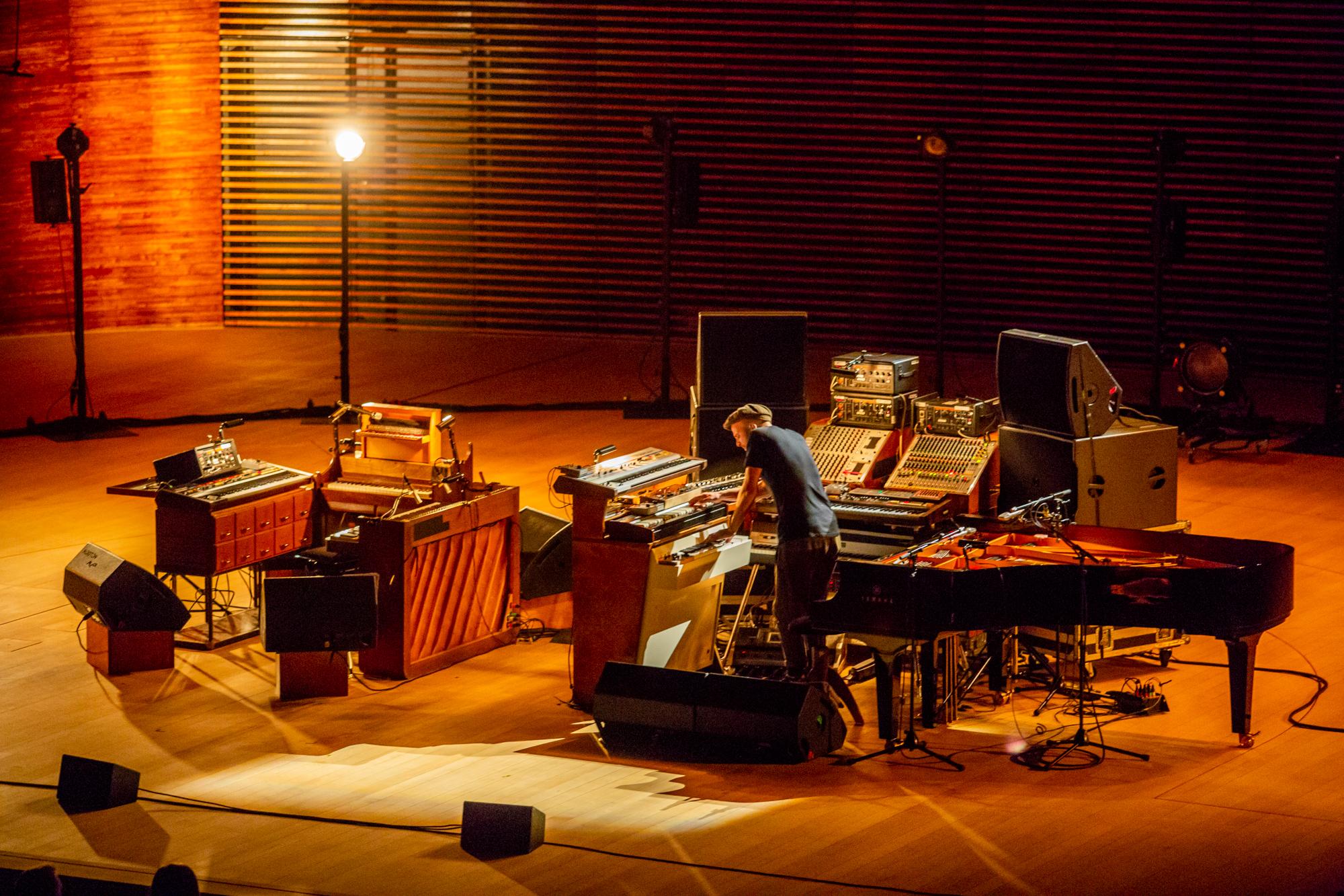 Нільс Фрам під час концерту у NOSPR (Катовіце) в рамках фествалю Tauron Nowa Muzyka Katowice Фото: Олексій Карпович