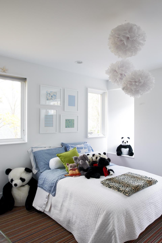 Modern light-filled kid's bedroom