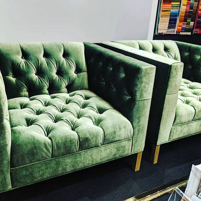 Luxe, tufted seating in the bold, rich colors. As seen at James by Jimmy Delaurentis.  #trendspotting #hpmkt2019 #hpmkt