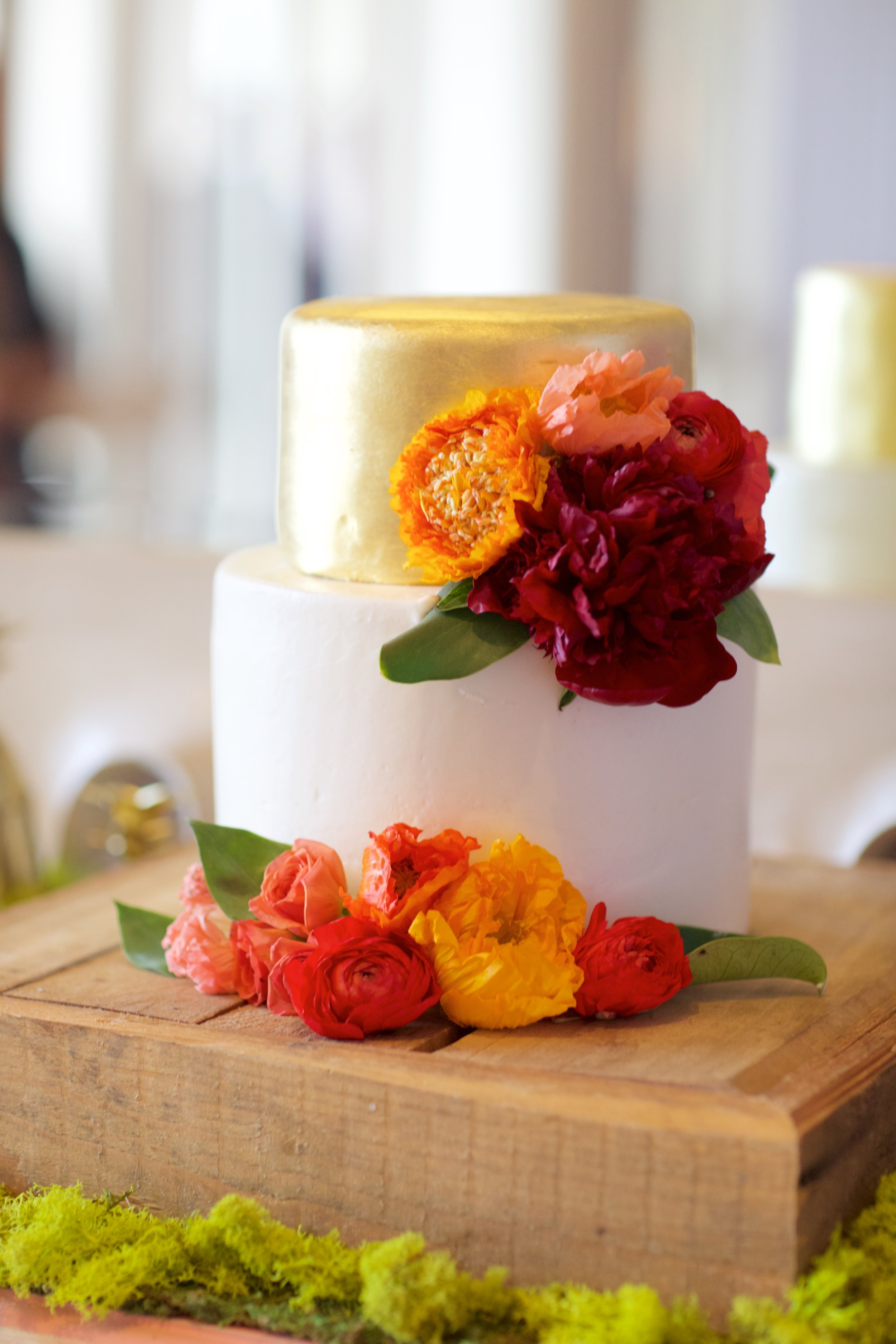 tropical flower wedding cake.jpg