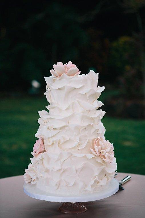 gorgeous unique wedding cake.jpg