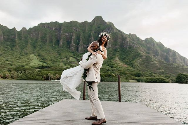 This is EXACTLY the response we want when the photographer says pick her up 😂 These two are the sweetest, the groom is in the military so he pulled out his training to carry the bride off.