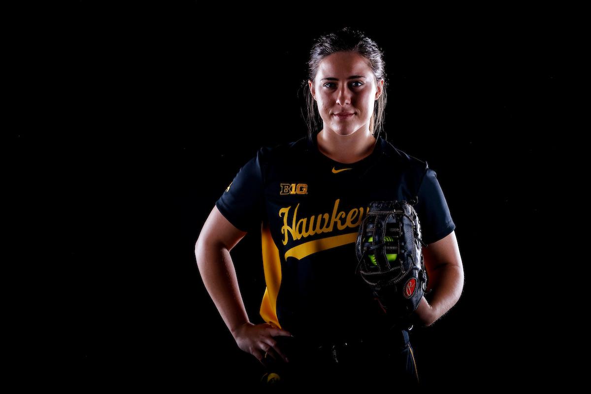 Elizabeth DeShields - Softball