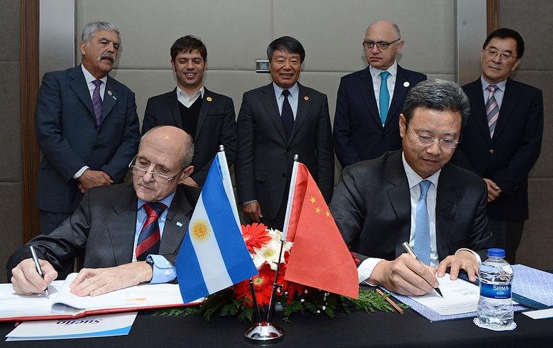 800px-Argentina_y_China_firman_contratos_para_construcción_de_cuarta_y_quinta_central_nuclear_01.jpg