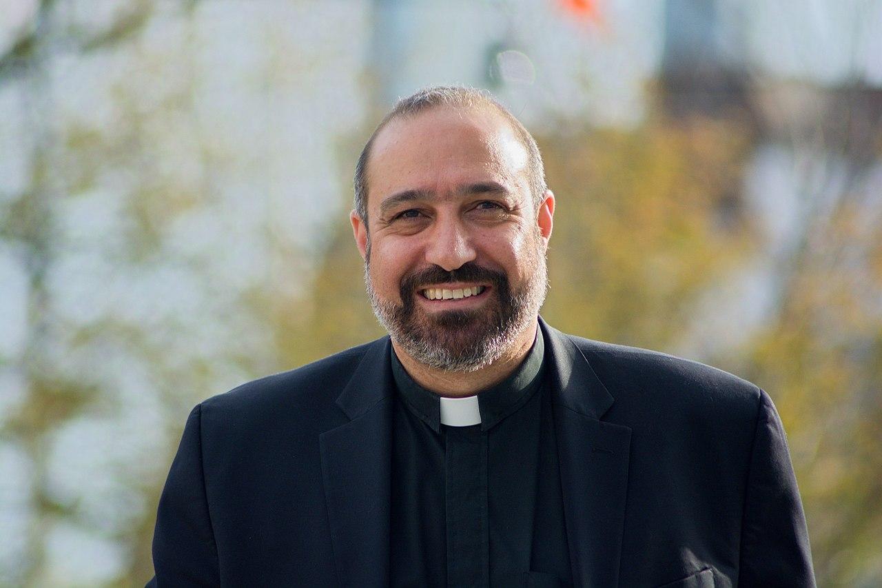 1280px-Reverend_Khader_El-Yateem.jpg