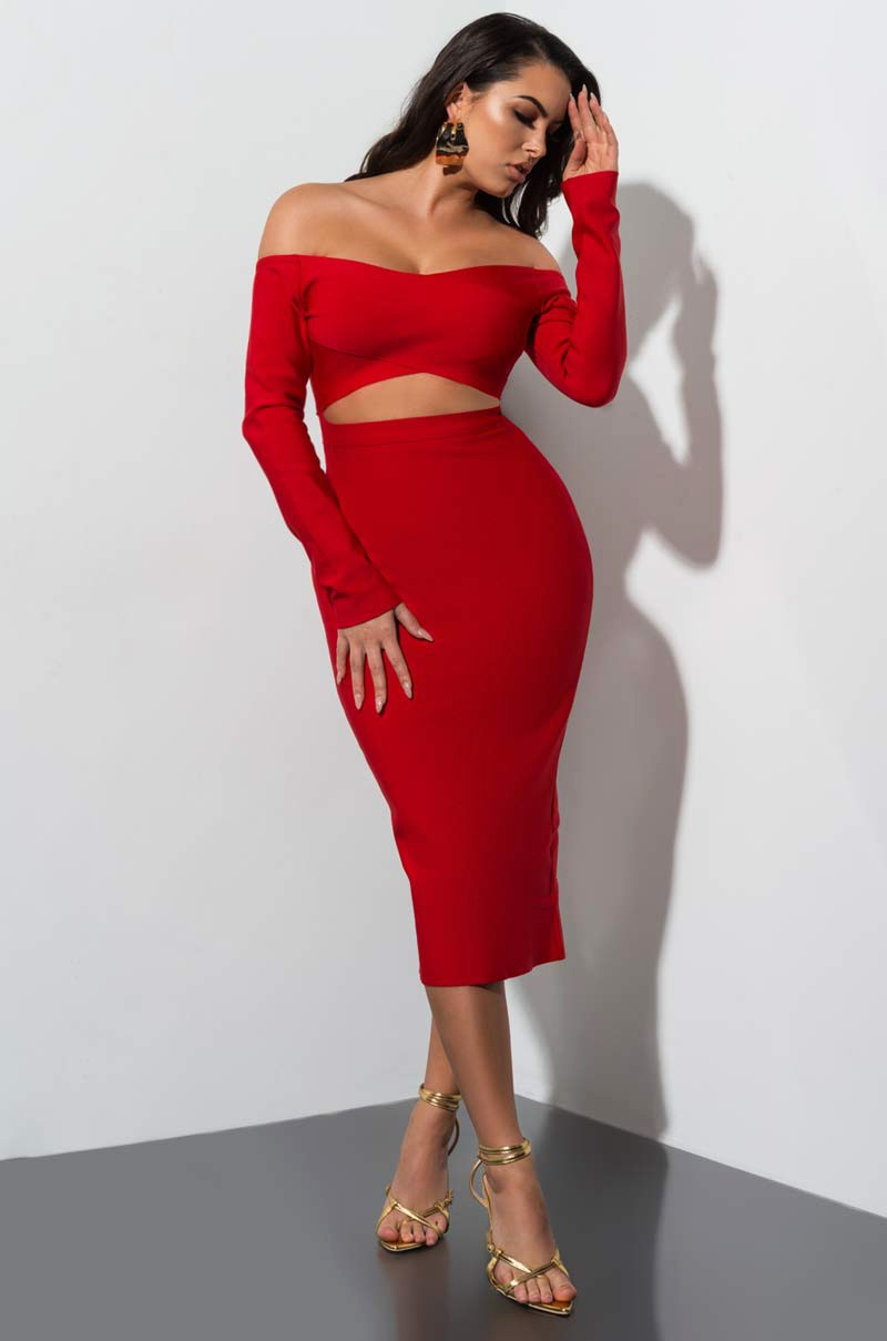 Model Behavoir - Bodycon fit with off shoulder design. Pair with sexy pumps.