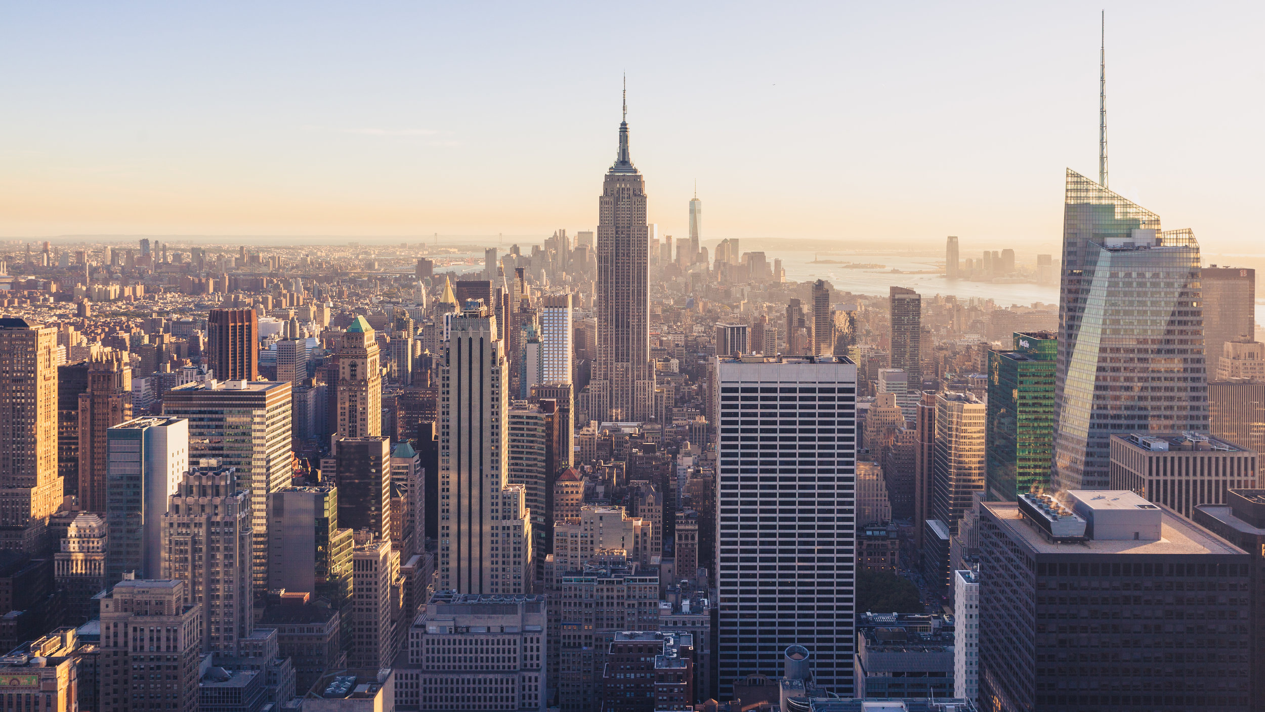 NeW YORK CITY - Welcome to the Big Apple! NYC! There's always something happening or going on. Endless shopping, tons of pop ups, events and art galore.Jersey (NJ) is the backyard and The Hamptons is a close vacation getaway.