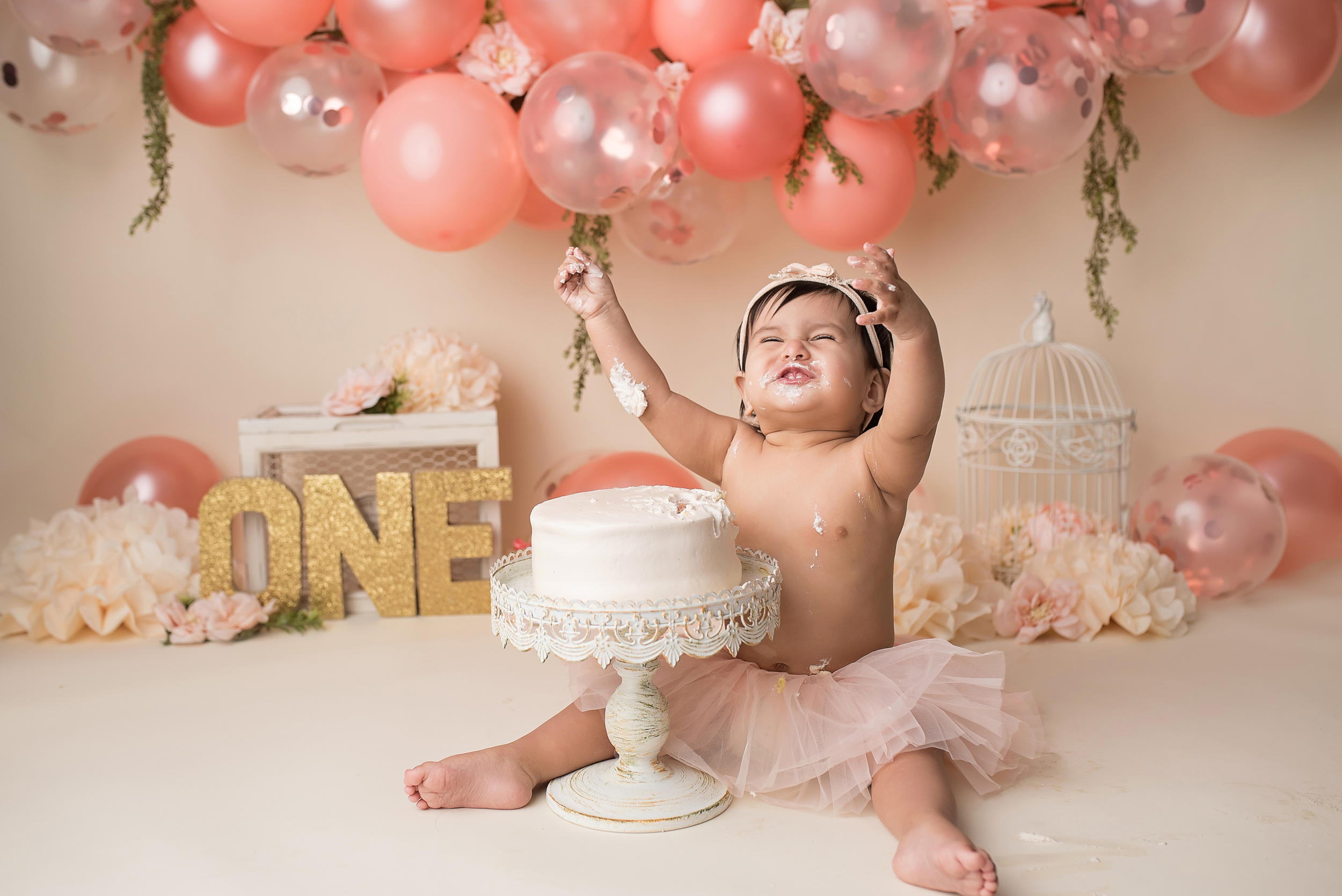 cake-smash-lake-worth-wellington-tequesta-jupiter-palm-beach-boynton-beach-delray-beach-boca-raton-parkland-one-year-captured-moments-by-dawn-photographer-photography.jpg