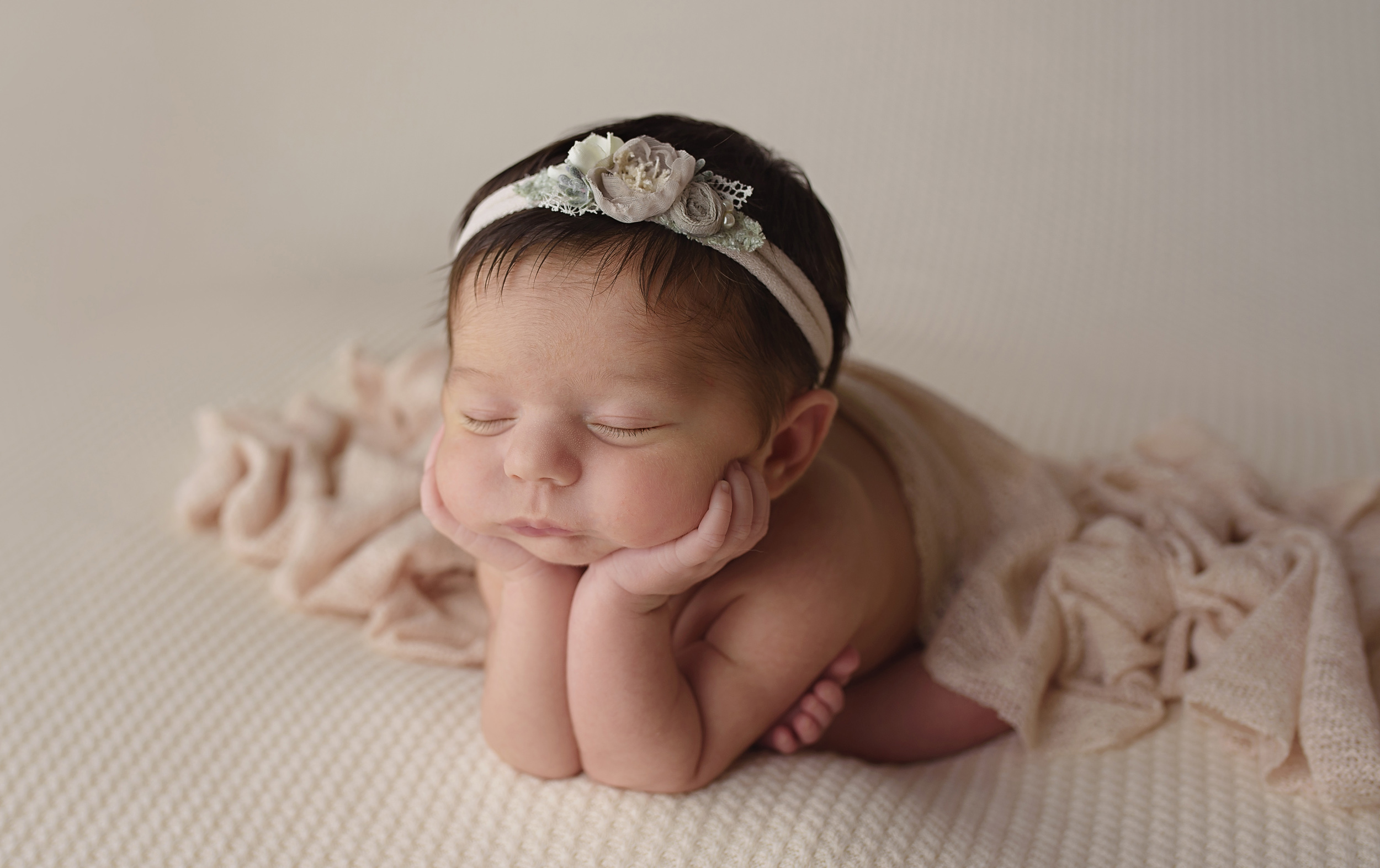 baby-photographer-newborn-photography-infant-photos-wellington-lake-worth-palm-beach-jupiter-tequesta-boynton-beach-delray-beach-boca-raton-parkland-captured-moments-by-dawn.jpg