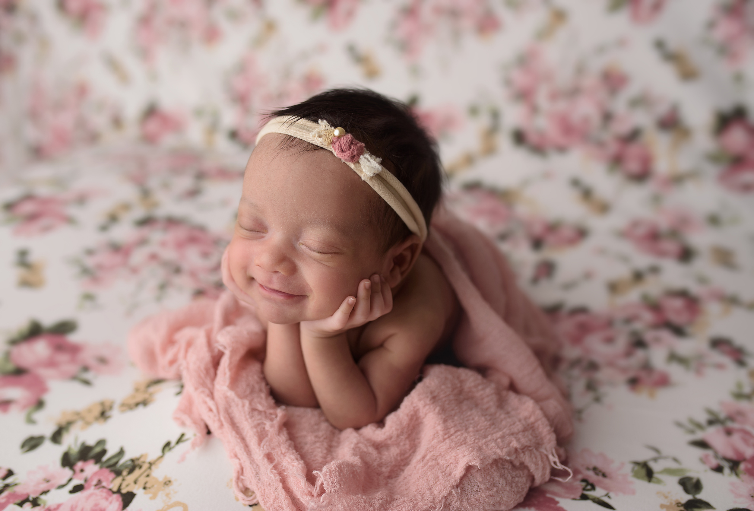 baby-newborn-infant-photographer-photography-wellington-lake-worth-boynton-beach-delray-beach-parkland-boca-raton-jupiter-tequesta-captured-moments-by-dawn.jpg