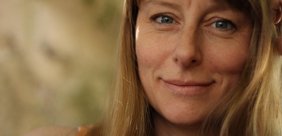 Headshot of Sarah Hutt