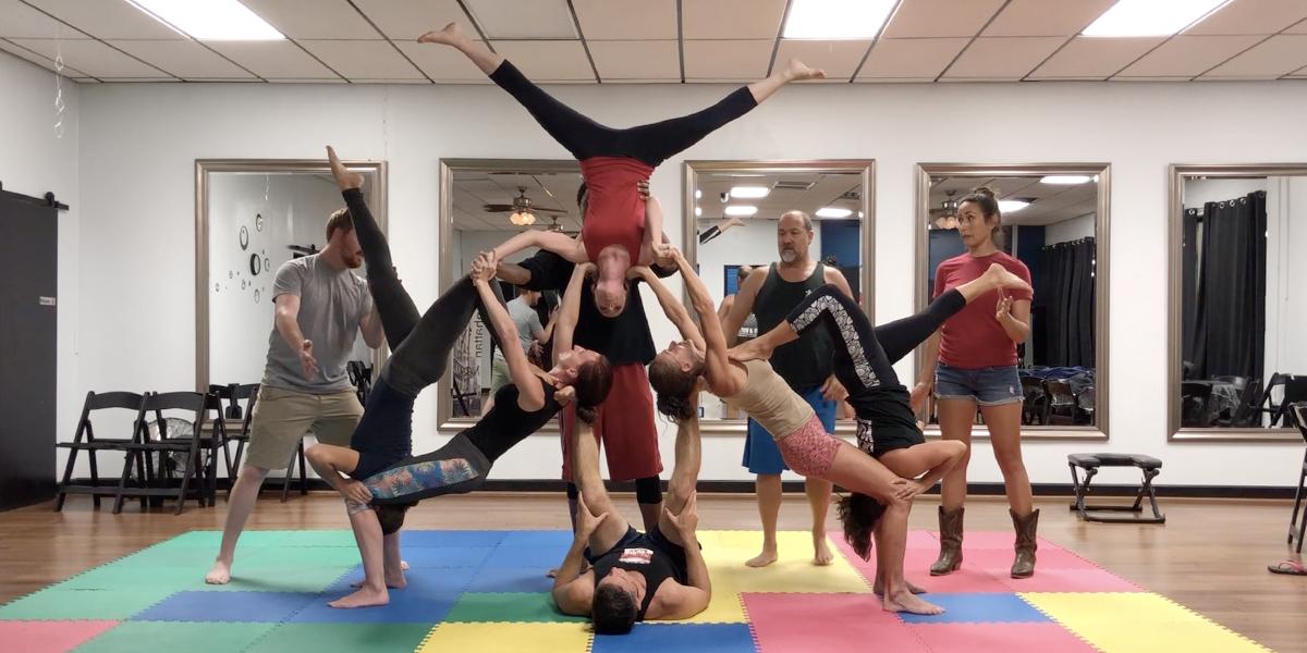 Acro Yoga 757