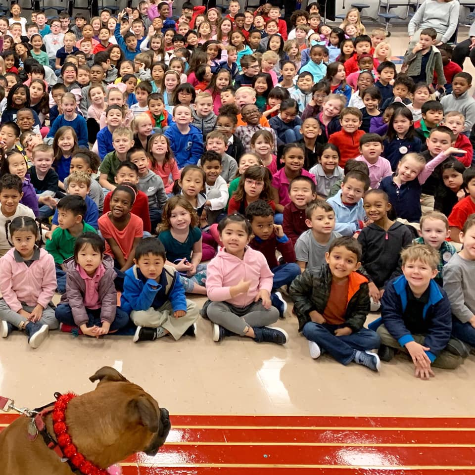 Ava meets with children at Silvercrest Elementary in Pearland, Texas.