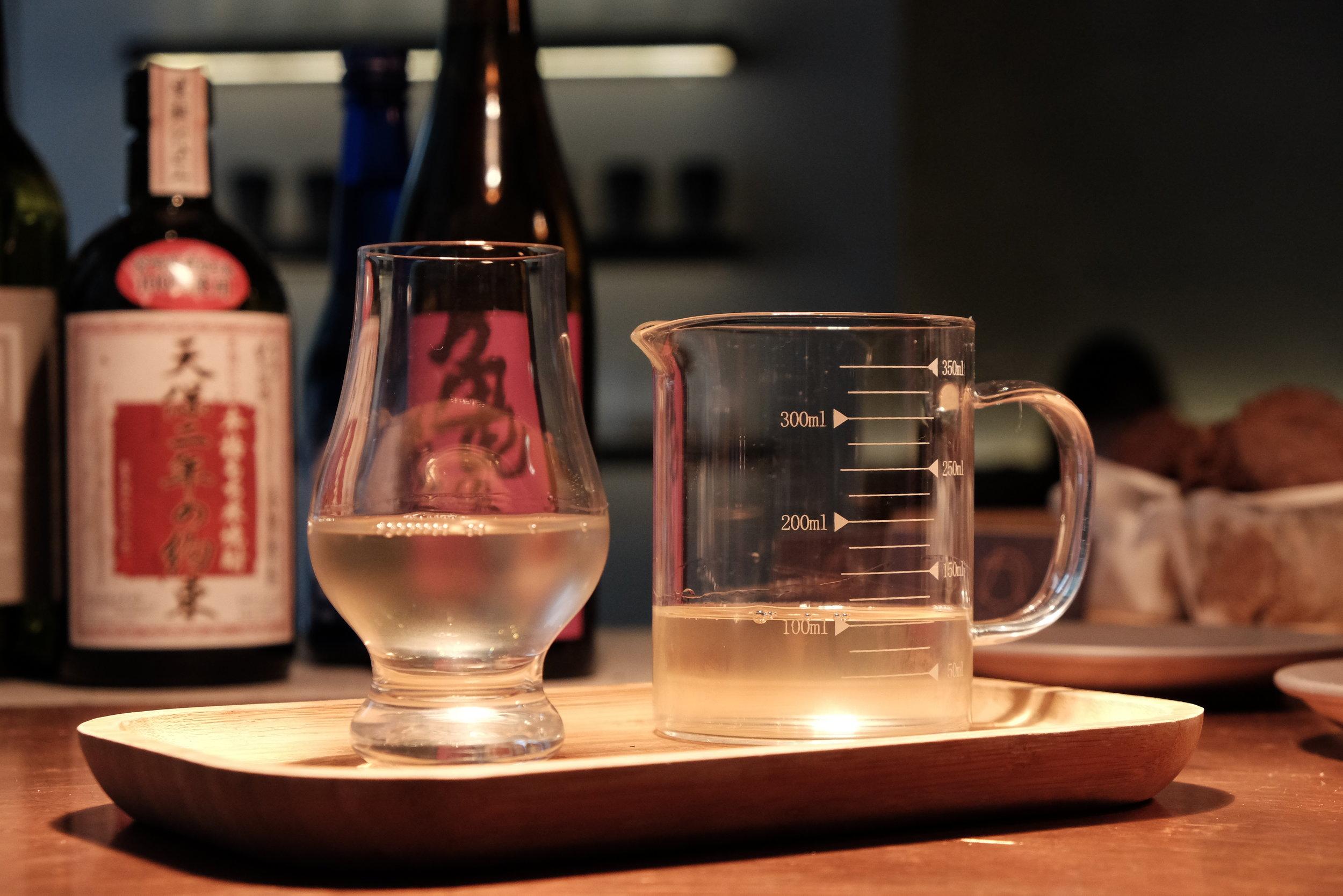 ALCOHOL 酒類