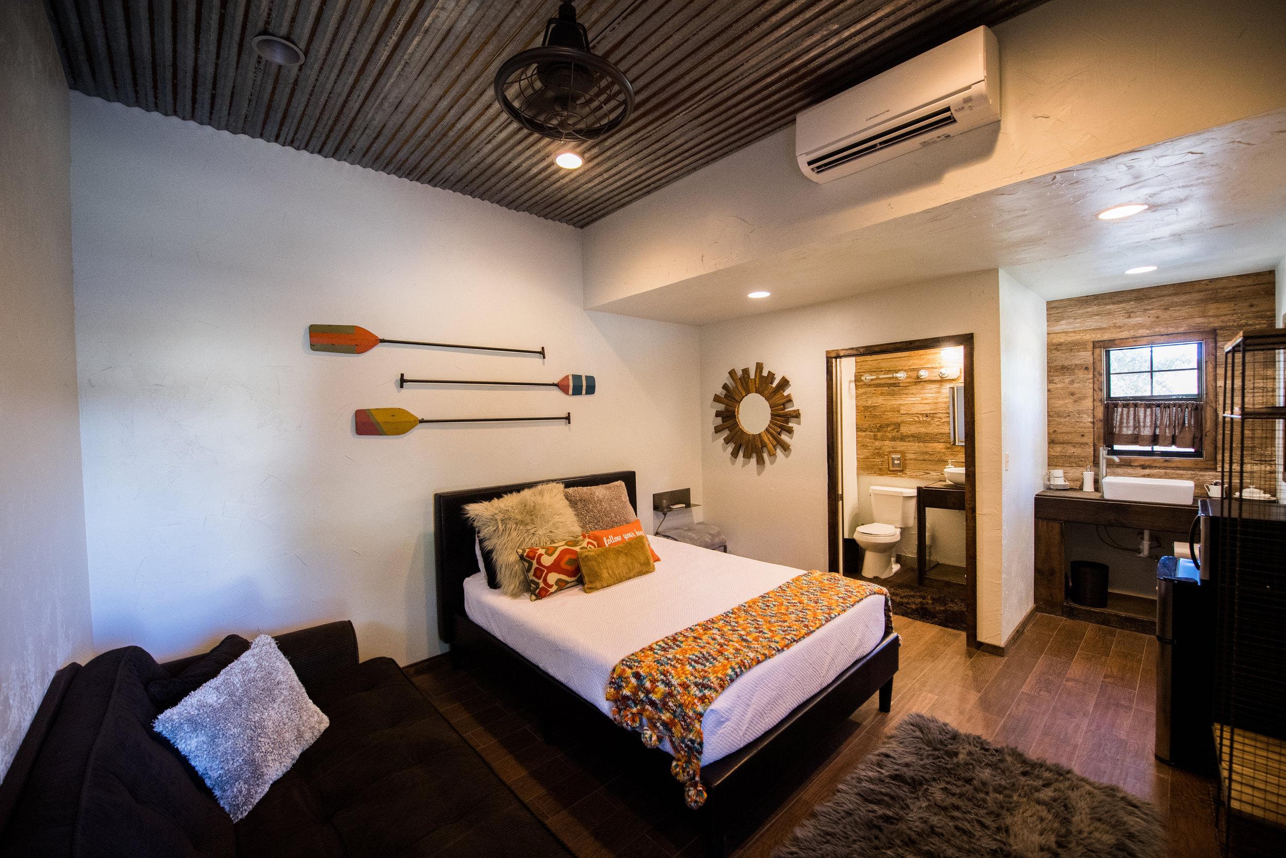 private suites - Sleeps +10
