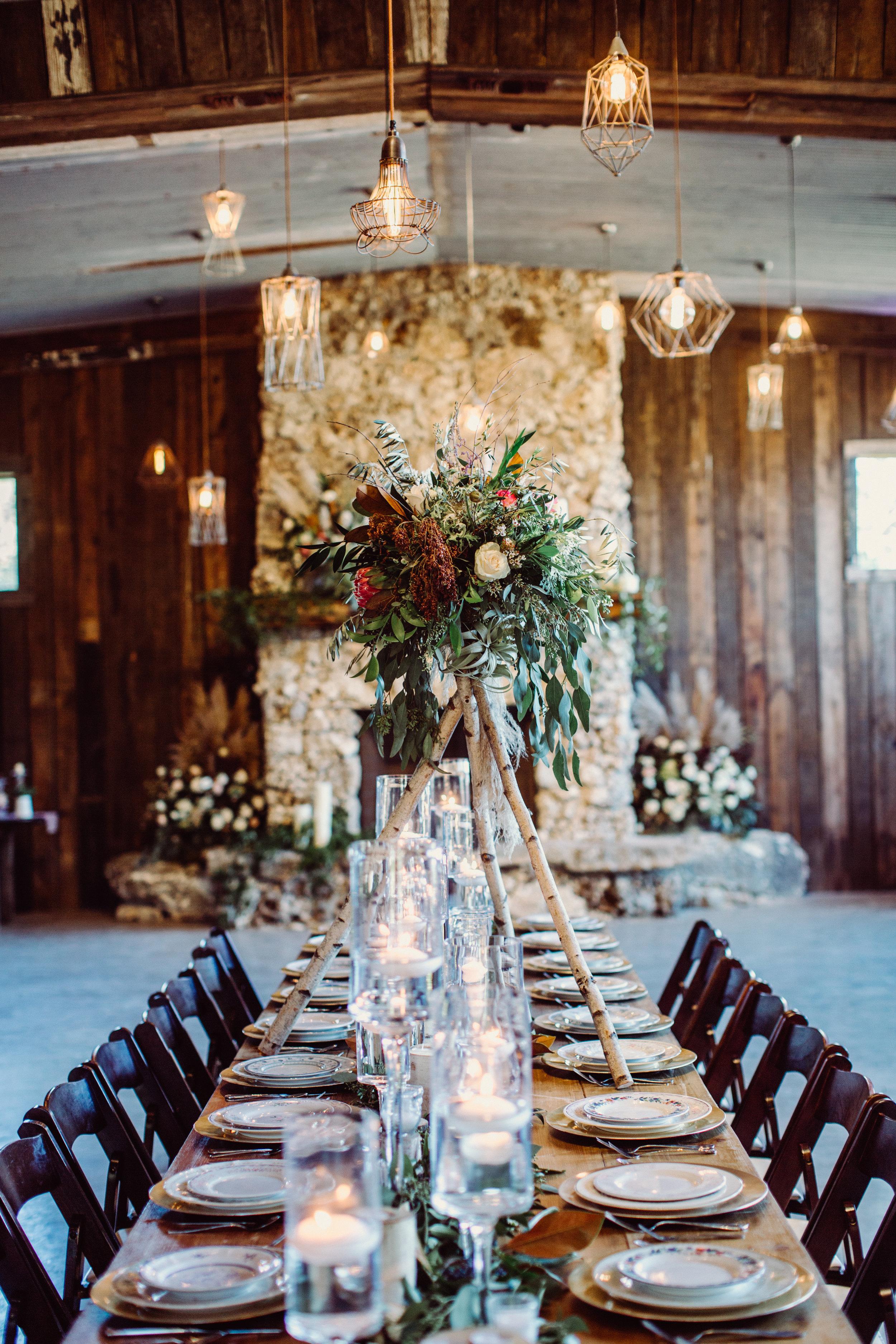 the-creek-haus-austin-texas-wedding-venue-destination-austin-texas-lodging-winter-open-house-petal-pushers-jona-christina-photography