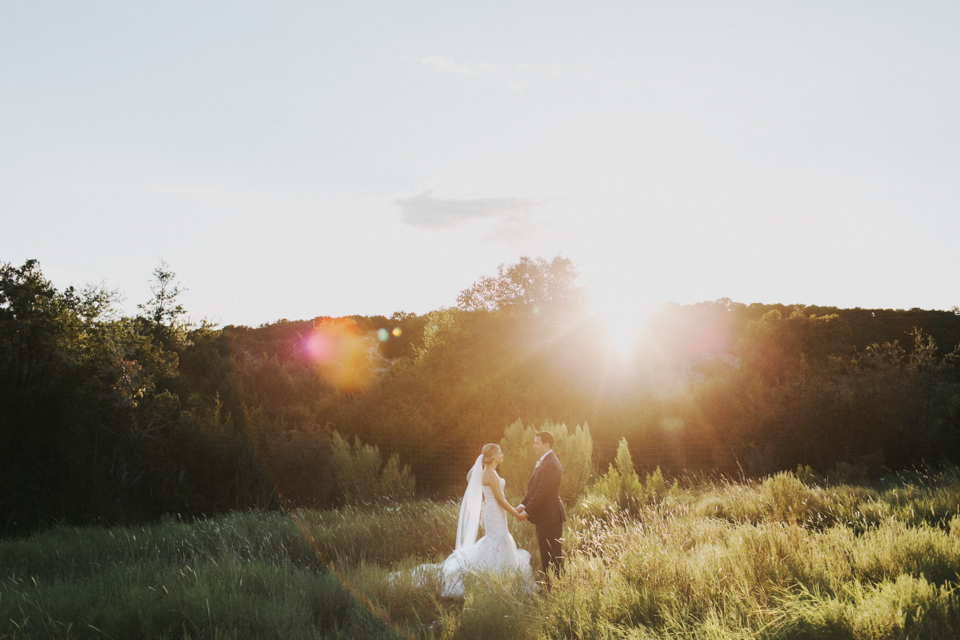 the-creek-haus-desintation-wedding-venue-austin-texas-hill-country