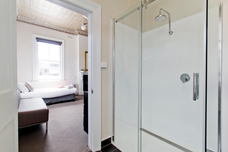 Accommodation Launceston | Deloraine Hotel