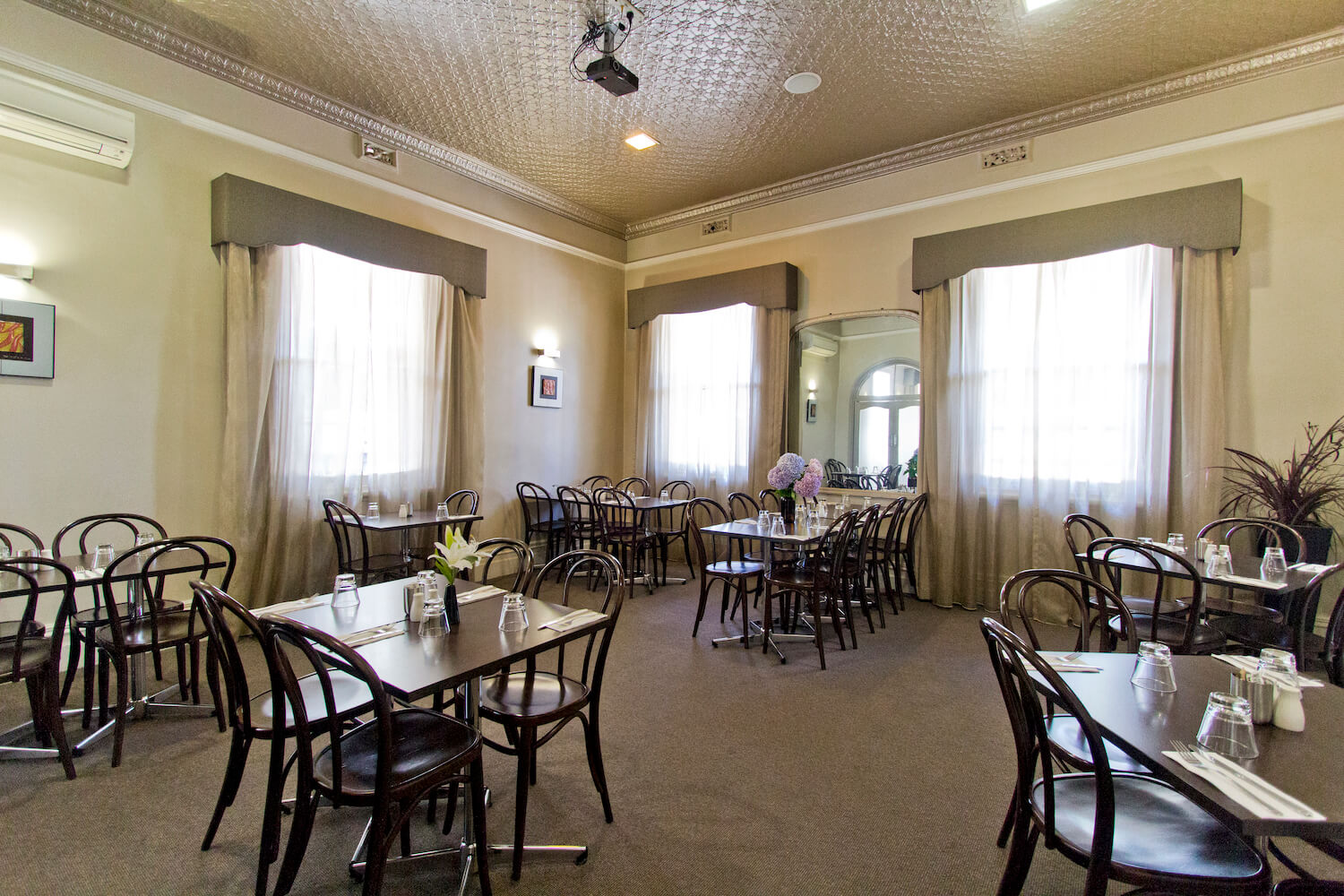 Party Hire | Deloraine Hotel