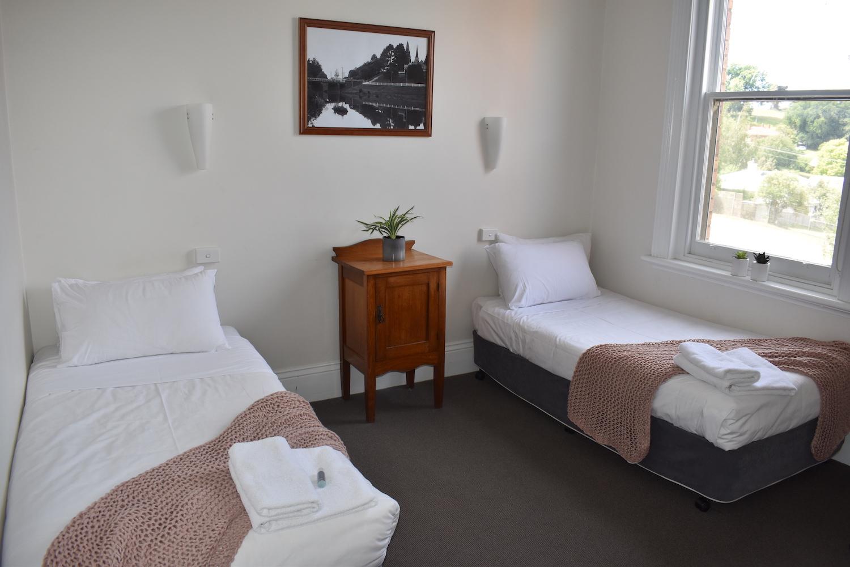 Twin Room | Deloraine Hotel