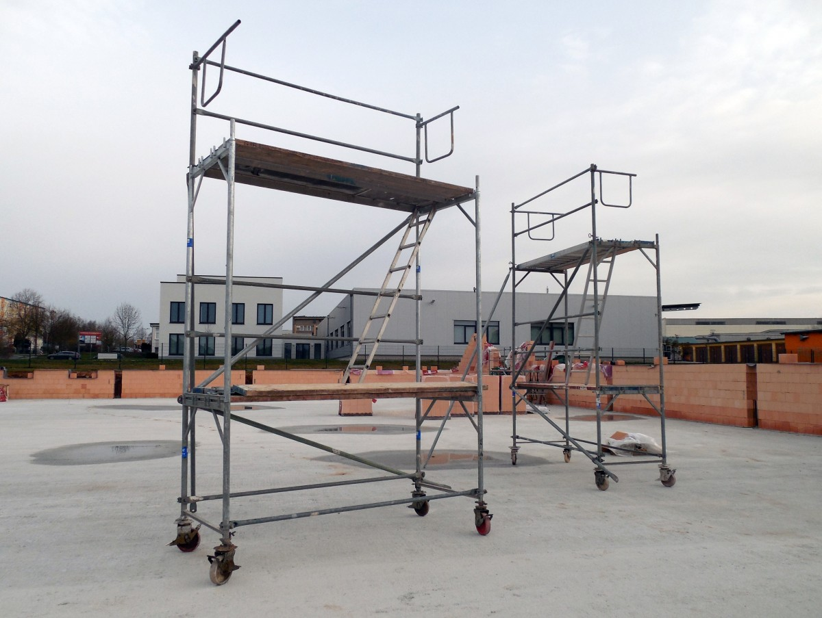 site_building_new_reconstruction_assembly_scaffolding_driving_structure_construction-810100.jpg!d.jpg