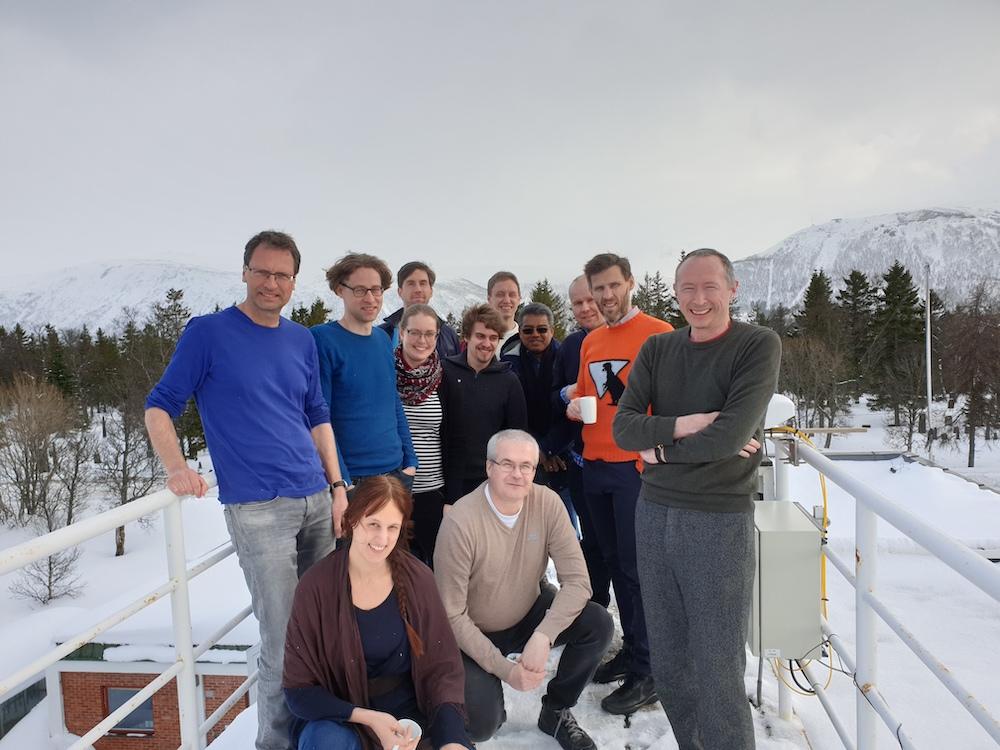 Part of the Alertness-team on the roof of the Division for forecasting in Tromsø. Photo: Eirik Mikal Samuelsen.