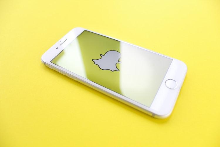 Snapchat ble lansert i 2011 og har siden blitt hyppig brukt blant unge for å kommunisere seg i mellom.