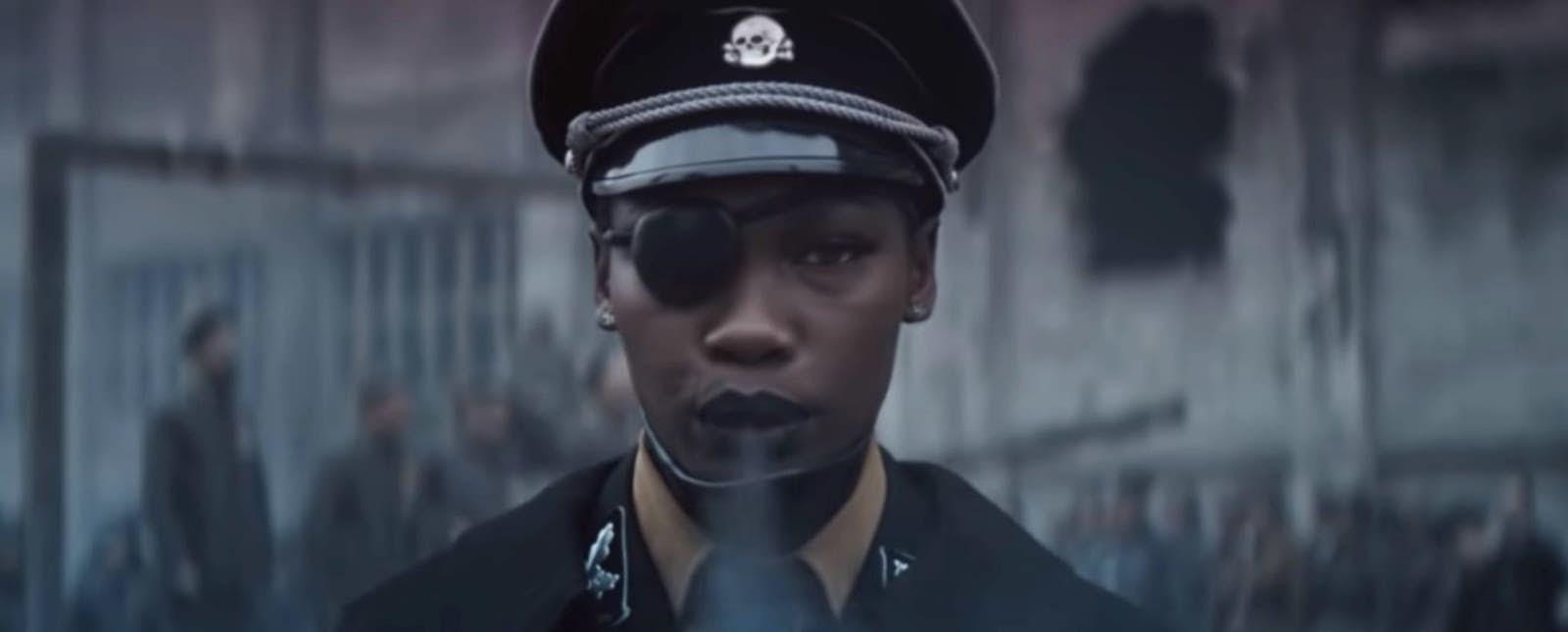 Germania: Ruby Commey som mor Tyskland under andre verdenskrig. Foto: Screenshot fra Youtube video  Deutschland. Opphavsrett: Universal Music.