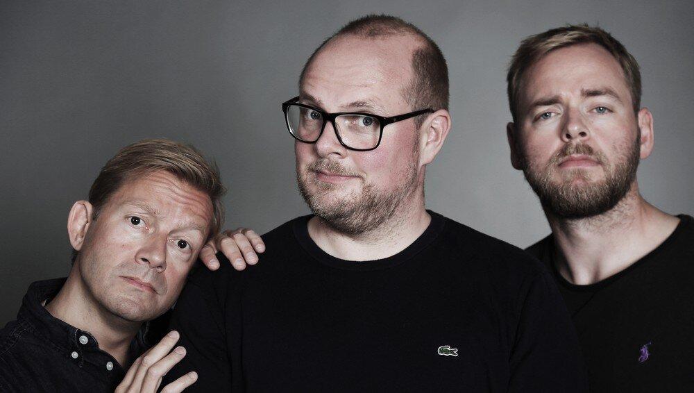 """Tore Sagen (til høgre) har saman med Steinar Sagen og Bjarte Tjøstheim drive """"Radioresepsjonen"""" på NRK sidan 2006.  Foto: Rune Lind / NRK"""