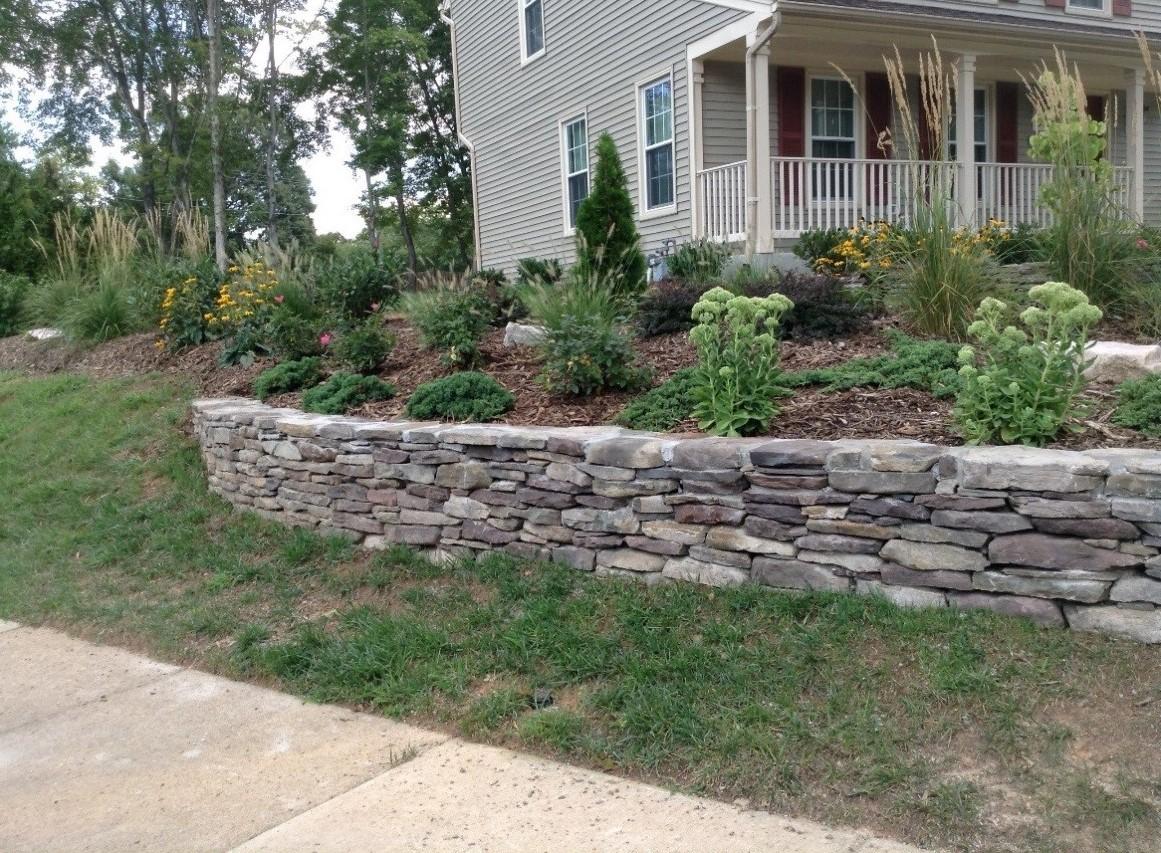 Pennsylvania Fieldstone Retaining Wall.jpg
